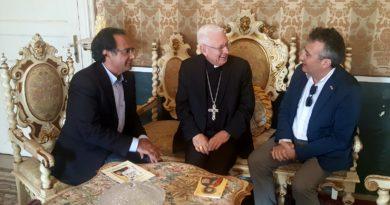 Cammino Orazio Mezzio l'arcivescovo Salvatore Pappalardo e il presidente dell'Ucsi Salvatore Di Salvo